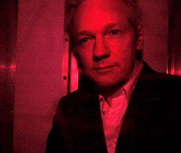 Assange für die Veröffentlichung von Wahrheiten zu belangen, die die US-Regierung verbergen wollte, ist ein unglaublich gefährlicher Präzedenzfall Von Roger Waters